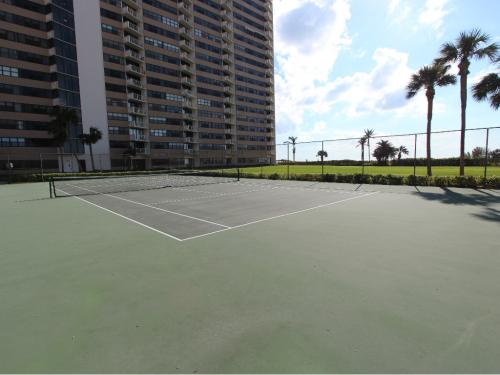 tennis court to beach